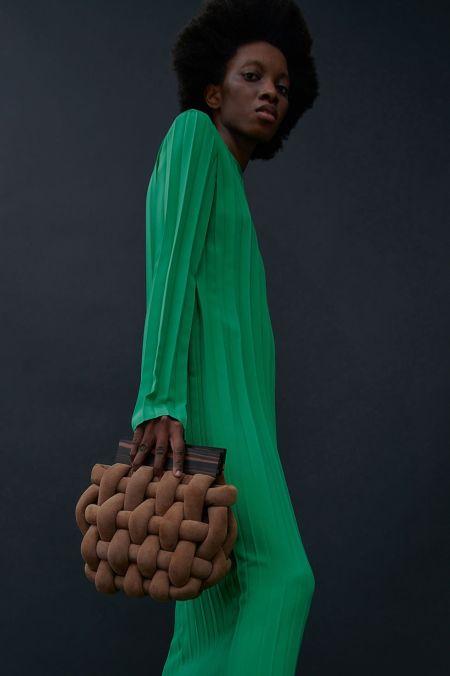 Коричневая плетеная сумка с деревянными ручками Awake Mode