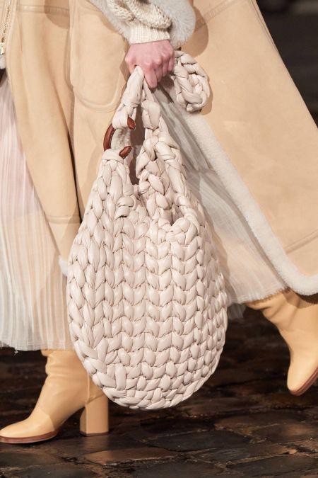 Белая объемная плетеная сумка Chloe