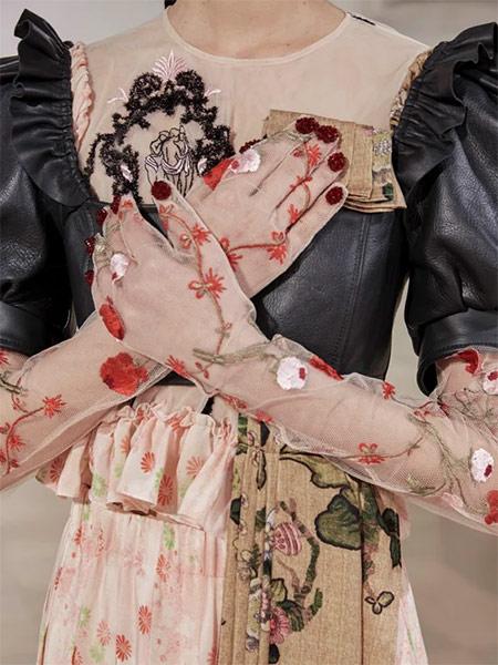 Перчатки в коллекции Simone Rocha осень-зима 2021-2022