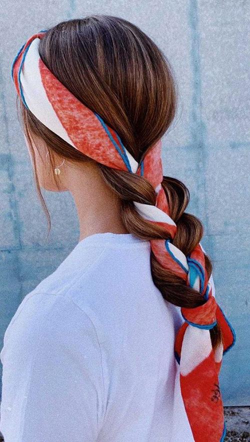 Твилли вплетенный в косу