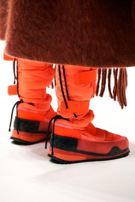 Оранжевые луноходы из коллекции осень-зима 2021 Kenzo