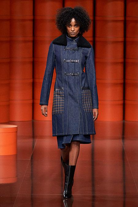Джинсовое демисезонное пальто и юбка Hermes FW 2021