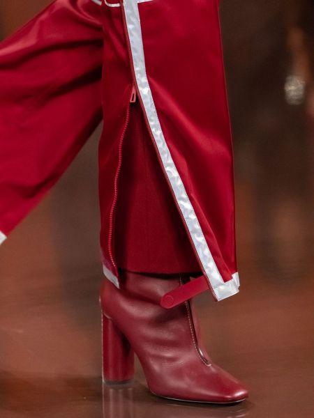 Красные сапоги с квадраным носом и круглым каблуком