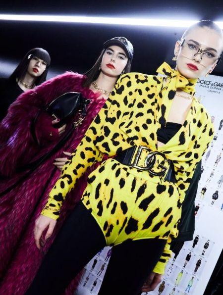 Красная помада и черные стрелки. Коллекция осень 2021 Dolce & Gabbana