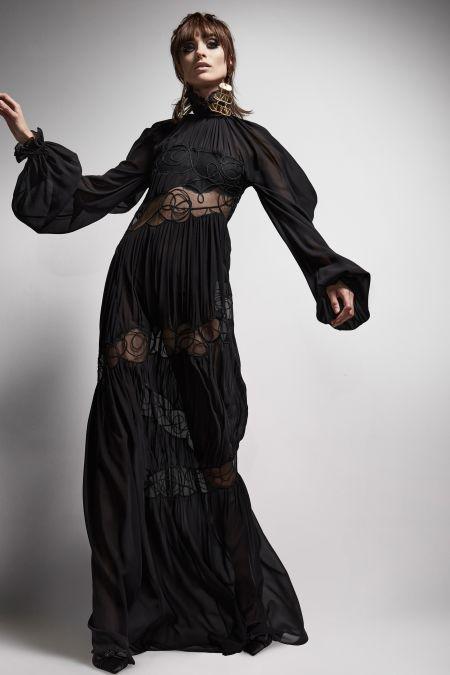 Черное платье в пол. Коллекция осень-зима 2021-2022 Tom Ford