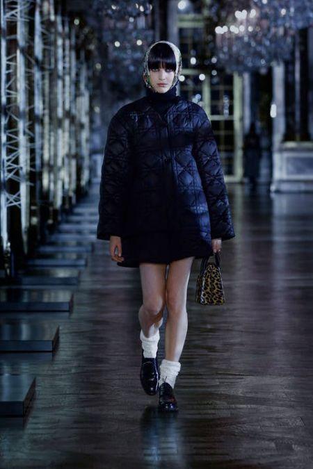 Тонкая черная стеганая куртка Christian Dior
