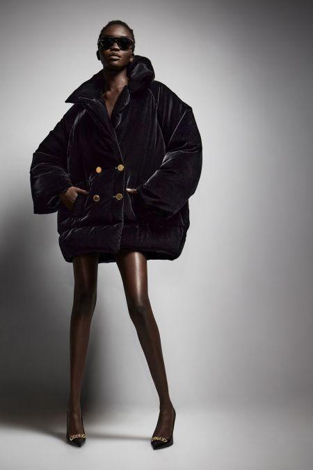Объемная черная куртка из коллекции осень-зима 2021-2022 Tom Ford
