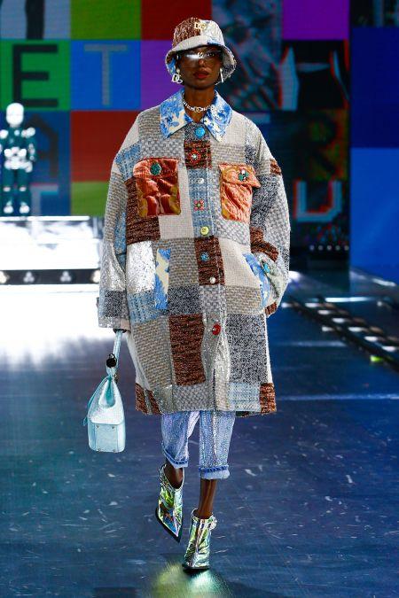 Пальто в технике пэчворк из коллекции Dolce & Gabbana