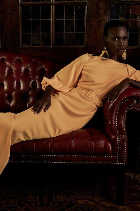 Длинное желтое платье с широким поясом и объемными рукавами Badgley Mischka