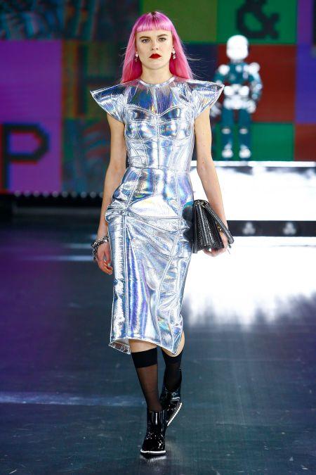 Переливающееся платье из осенне-зимней коллекции Dolce & Gabbana