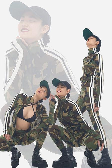 Спортивные костюмы с принтом милитари