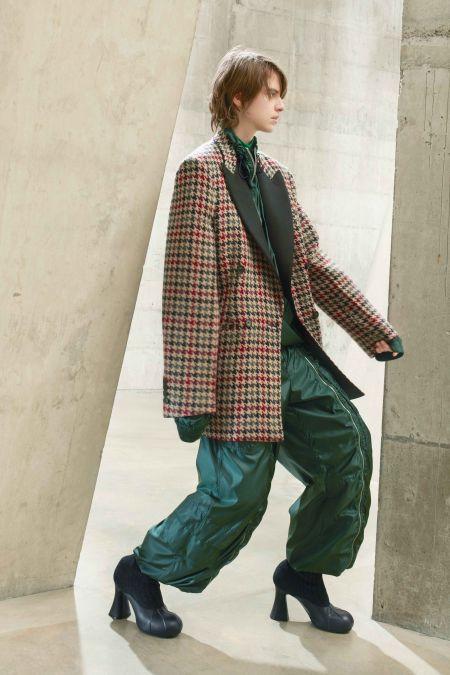 Объемные зеленые спортивные штаны Stella McCartney