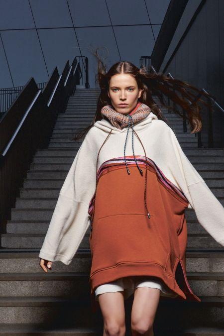 Двуцветное платье-толстовка из осенне-зимней коллекции Missoni