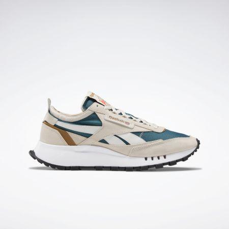 Модель разноцветных кроссовок Reebok в пастельных тонах