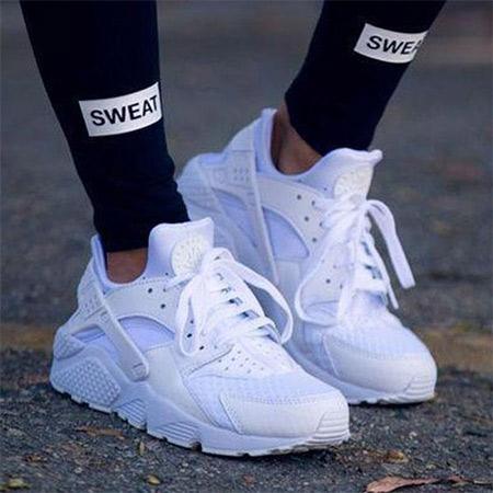 Белые кроссовки на платформе  2021
