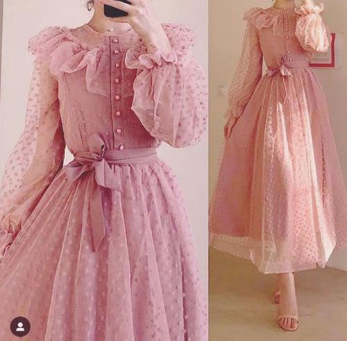 Платье в романтическом стиле для новогодней вечеринки 2022