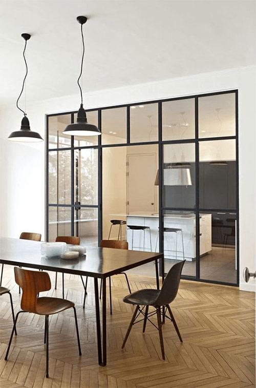 Геометрические формы и стекло в интерьере в стили минимализм