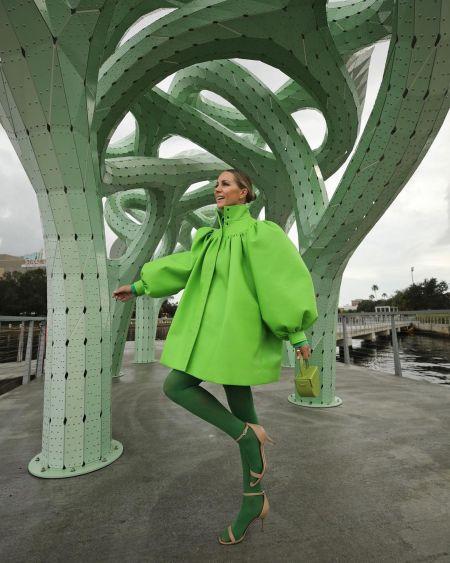 Total green look от блогерки Блер Эди